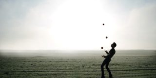 person juggling