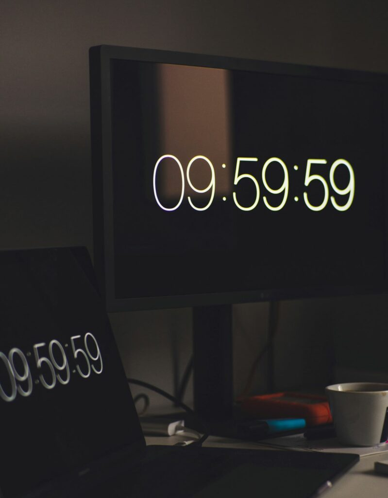 A timer indicating 09:59:59, suggesting that the video has slightly overrun the optimal viewing time.